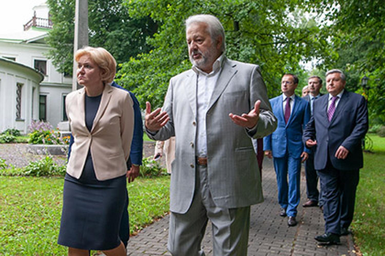 Ольга Голодец и Владимир Мединский приняли участие в форуме владельцев исторических усадеб