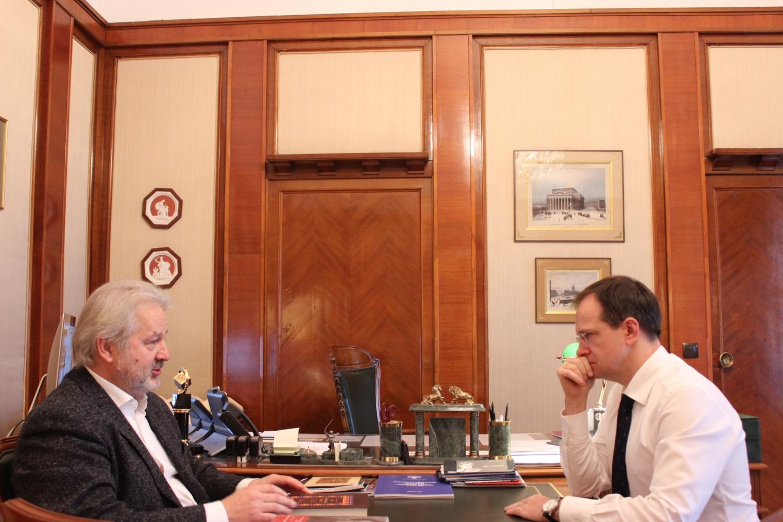 Владимир Мединский поддержал идею создания фонда по сохранению культурного наследия, аналогичного National Trust